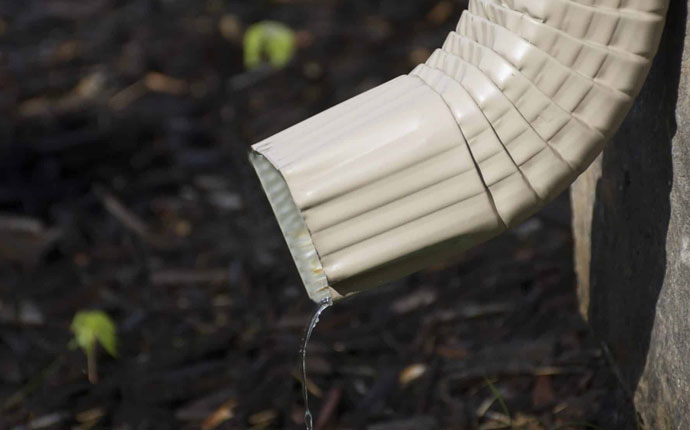 Blocked Downspout Gutter Repair