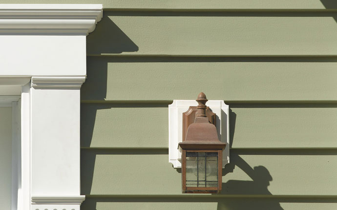 Fix or Replace Your Damaged Siding